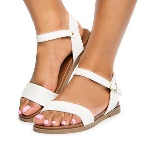 ◾️3/$25 Le Chateau White Strap Sandals